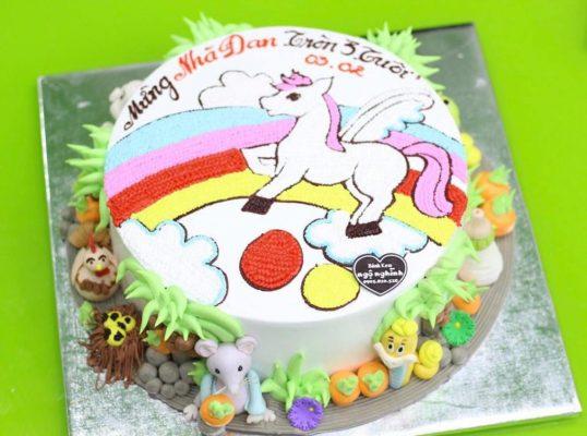 Mua bánh sinh nhật con ngựa