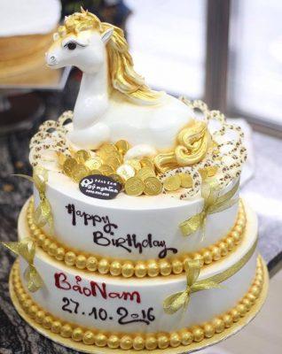 Bánh sinh nhật chú ngựa
