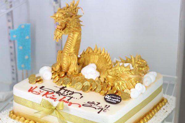 Bánh sinh nhật hình rồng